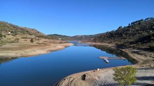 Chaos, barragem do Caldeirao - ein wenig Wasser ist noch drin